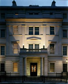 The Lanesborough Voted #1 Small City Hotel in Europe / The Lanesborough Luxury Hotel in London Press Reviews...I concur! This is where I stayed while in London in 1997!