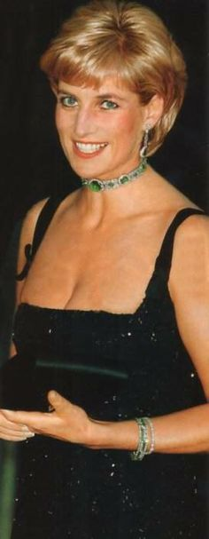 The gorgeous Princess Diana on her 36th and last birthday July 1,1997. ✯‿➹⁀☆҉   ☆҉‿➹⁀☆҉