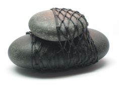 knotless netting - two stones bound together