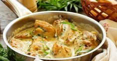 Quick One Pot Chicken Fricassee Italian Foods Cream Sauce For Chicken, One Pot Chicken, Yum Yum Chicken, Creamy Chicken, Lemon Chicken, Tarragon Chicken, Sesame Chicken, Bbq Chicken, Turkey Recipes