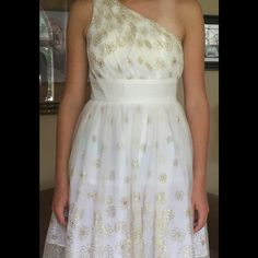 Juniors prom, wedding, special occasion dress. Macy's Blondie nites party dress. Perfect condition. One shoulder, ruched laced with full banded waist. Blondie Nites Dresses One Shoulder