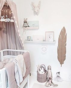 Babykamer meisje romantisch roze