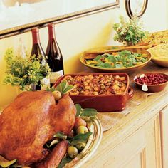 Menus: Portable Thanksgiving spread for a big family.