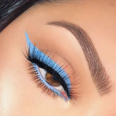 Blue Liner Prance Creme Gel Liner Bundle Related posts: Grey and blue Make-up-Tutorial für blaue Augen # eyes 13 Great Blue Eyeshadow Looks That Make You Charming! Makeup Eye Looks, Eye Makeup Art, Hooded Eye Makeup, Blue Eye Makeup, Eye Makeup Tips, Cute Makeup, Skin Makeup, Eyeshadow Makeup, Purple Eyeliner