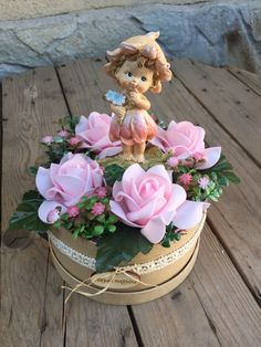 Clay Crafts, Fun Crafts, Diy And Crafts, Disney Artwork, Deco Floral, Flower Boxes, Ikebana, Holidays And Events, Paper Flowers