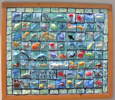 California Marine Life tile mural, includes instructions  http://www.deepspacesparkle.com/2011/05/25/6th-grade-ceramic-mural/
