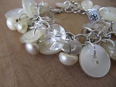 DIY Button Bracelet - this is actually really pretty