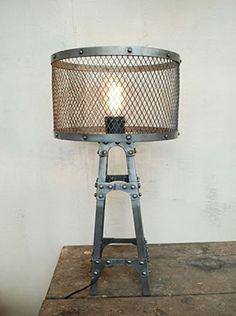 Iron LAMP 'Baltad'+ lampshade stand