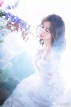 Korean Princess, Dreamy Photography, Photography Ideas, Fashion Photography, Ulzzang Korean Girl, Poses, Anime Art Girl, Baby Girl Fashion, Beautiful Asian Girls