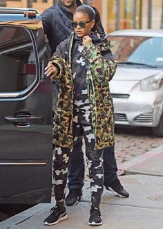 March Rihanna leaving Hanson Fitness gym in SoHo, Manhattan Street Style Rihanna, Best Street Style, Fashion Killa, Look Fashion, Winter Fashion, Womens Fashion, Moda Rihanna, Rihanna Fenty, Rihanna Swag