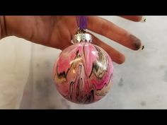 This is the updated acrylic pouring Christmas ornament video for Last year DIY Paint & Canvas Christmas Tree Glitter, Christmas Tree Painting, Painted Christmas Ornaments, Christmas Balls, Christmas Diy, Xmas, Tropical Christmas, Christmas Signs, Christmas Stuff