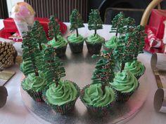 Matchmaker Christmas tree cupcakes