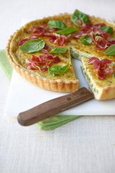 Impara a preparare una sfiziosa quiche con ripieno di piselli e cubetti di pancetta su Sale&Pepe. Prova la ricetta ed esprimi il tuo voto!