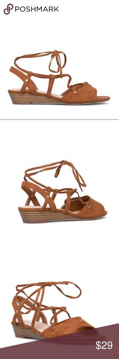 🛍Sold out online!🛍 Midi-Wedges in Brown Size 10 NIB ShoeDazzle Suzanne brown faux-suede mini-wedges in size 10. Shoe Dazzle Shoes Wedges