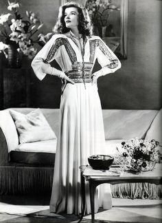 "https://flic.kr/p/6iSCBd   Katharine Hepburn in ""The Philadelphia Story"", 1940   Pure Katharine Style."