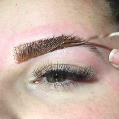 What's Makeup ? What's Makeup ? Generally speaking, what is makeup ? Eyebrow Makeup Tips, Permanent Makeup Eyebrows, Eyebrow Tinting, Glam Makeup, Skin Makeup, Makeup Inspo, What Is Makeup, Makeup Looks, Henna Eyebrows