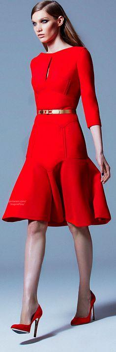 Elie Saab http://www.tinydeal.com/dresses-px2eyq9-c-341_853_975.html