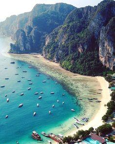 Thailand Beach Resorts, Thailand Honeymoon, Visit Thailand, Phuket Thailand, Thailand Travel, Most Beautiful Beaches, Beautiful Places To Visit, Temple Thailand, Railay Beach