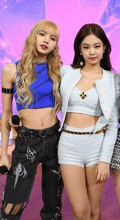 Lisa Black Pink, Black Pink Kpop, Blackpink Fashion, Korean Fashion, Fashion Outfits, Kim Jennie, Kpop Girl Groups, Kpop Girls, Divas