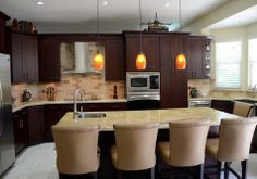 Sending our thanks to the talented folks in Florida at KabCo Kitchens today! This cherry Showplace features our Cordova stain!  Learn more about KabCo Kitchens: http://kabcokitchens.com/ Learn more about Showplace cherry: http://www.showplacewood.com/WoodsFin2/woodsC.0.html