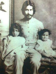 Bengali poet and writer Rabindranath Tagore with his son and daughter Rare Pictures, Historical Pictures, Rare Photos, Vintage Photographs, Old Photos, History Of India, Asian History, World History, Calcutta