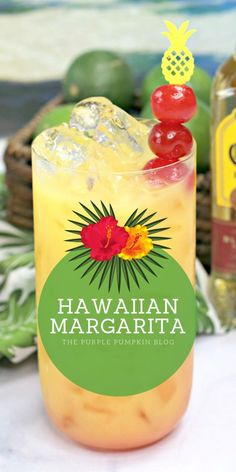 This Hawaiian Margarita cocktail is full of tropical flavours and perfect for luau party. It's a twist on a traditional margarita, made with pineapple juice and coconut water, in addition to the usual tequila, triple sec, and limes – totally delicious! Cocktail Margarita, Cocktail Drinks, Margarita Party, Pineapple Margarita, Sunrise Cocktail, Paloma Cocktail, Grapefruit Cocktail, Vodka Cocktails, Martinis