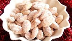 Baka glutenfritt | Glutenfria godsaker Cereal, Almond, Breakfast, Food, Morning Coffee, Essen, Almond Joy, Meals, Yemek