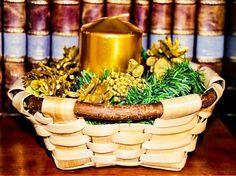 Damos la bienvenida a la #Navidad con #DESCUENTO-20% en cestas seleccionadas. Con una vela dorada y una #paneradecastaño alegrarás cualquier rincón de tu hogar de forma sencilla y elegante. #cestasartesanales #cestasdecalidad #cestasdecastaño #cestasdemimbre #handmadebaskets #home #deco #calidadcestasdeespaña