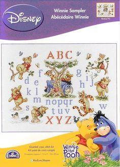solo winnie the pooh Cross Stitch Alphabet, Cross Stitch Baby, Cross Stitch Samplers, Counted Cross Stitch Kits, Cross Stitching, Winnie The Pooh, Disney Cross Stitch Patterns, Disney Stitch, Paddington Bear