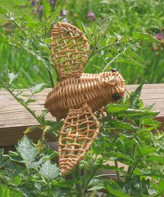70s #Wicker #Bee, buzz buzz by @AmiableLeaf |... | Wicker Blog  wickerparadise.com