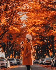 🍂 ~ Been capturing so many moments on the go this trip with my PRINTOMATIC Instant Print Camera. Love how the autumn… Fall Pictures, Fall Photos, Autumn Photography, Photography Poses, Photography Aesthetic, Travel Photography, Tara Milk Tea, Instant Print Camera, Autumn Cozy