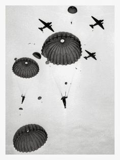 Paratroopers from the Canadian Parachute Battalion of the British Airborne Division drop over Salisbury Plain, England, from Douglas Dakota aircraft - 6 February 1944 - Credit - British Airborne Military Drawings, Military Tattoos, Military Photos, Military History, Military Life, Airborne Tattoos, War Tattoo, Armor Tattoo, Band Of Brothers