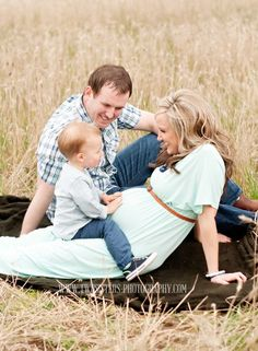 Family maternity session- I could totally see you guys doing a shot like this with JV when baby 2 is coming! Family Maternity Photos, Maternity Poses, Maternity Pictures, Pregnancy Photos, Family Pics, Outdoor Maternity Photos, Maternity Styles, Maternity Outfits, Maternity Portraits