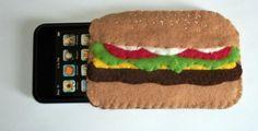felt burger case Felt Phone Cases, Felt Case, Diy Phone Case, Iphone Cases, Iphone 4s, Crafts To Sell, Crafts For Kids, Geek Crafts, Felt Applique