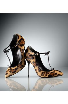 Gucci 'Beverly' T-Strap Pump - If only I could justify a third of my monthly salary...