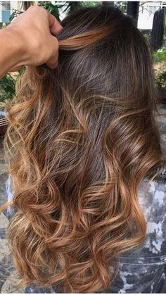 Hair Highlights For Brunettes Balayage Ombre Ideas Brown Ombre Hair, Ombre Hair Color, Brown Hair Colors, Balayage Brunette, Brunette Hair, Balayage Hair, Pretty Brunette, Subtle Balayage, Long Brunette