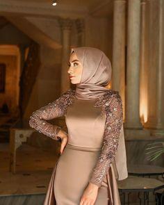 Modern Hijab Fashion, Muslim Women Fashion, Islamic Fashion, Abaya Fashion, Fashion Dresses, Hijab Evening Dress, Hijab Dress Party, Modest Dresses, Elegant Dresses
