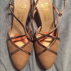 Work shoes Super cute and comfortable. Size 8.5 B.  Would fit an 8 as well Ferragamo Shoes