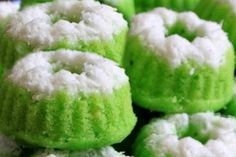 Petunjuk lengkap resep cara membuat kue putu putri ayu hijau pandan