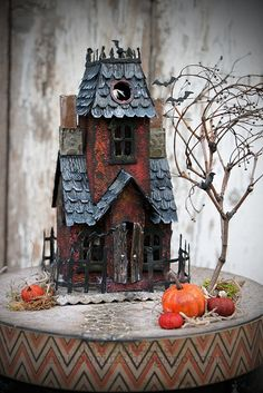 HAPPY HAUNTINGS with DIY Sizzix Village Manor