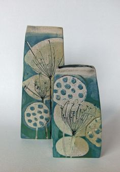 Autumn seed-head vases in my new sea-green glaze. I like the impressionist look of the two main umbels shapes; the side view and the top view. Ceramic Flower Pots, Ceramic Pots, Ceramic Decor, Slab Pottery, Pottery Bowls, Ceramic Pottery, Pottery Patterns, Pottery Designs, Pottery Ideas
