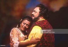 Italian tenor Luciano Pavarotti (1935 - 2007) performs (as 'Nemorino') with American soprano Kathleen Battle (as 'Adina') in the Metropolitan Opera/John Copley production of 'l'Elisir d'Amore' ('The Elixir of Love,' by Gaetano Donizetti) at the final dress rehearsal prior to the new production premiere at Lincoln Center's Metropolitan Opera House, New York, New York, October 21, 1991.