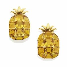 A PAIR OF CITRINE AND GOLD ANANAS CLIP BROOCHES, BY SUZANNE BELPERRON