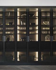Poliform: a modern kitchen tale Modern Kitchen Design, Interior Design Kitchen, Küchen Design, House Design, Crockery Cabinet, Home Bar Designs, Cuisines Design, Kitchen Cupboards, Cabinet Design