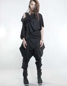 TOP DUSTY DOUBLED BLACK   TOPS   DEMOWOMAN   DEMOBAZA Store