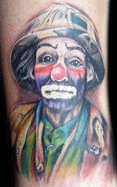 A clown tattoo.I'm sure this person makes all kinds of good decisions. Weird Tattoos, Great Tattoos, Body Art Tattoos, Awesome Tattoos, Tatoos, Pierrot, Emmett Kelly Clown, Famous Clowns, Mime