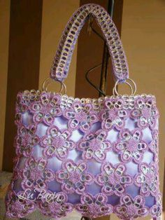 Pop tab purse, very pretty Pop Top Crafts, Can Tab Crafts, Irish Crochet, Crochet Motif, Crochet Patterns, Crochet Handbags, Crochet Purses, Pop Tab Purse, Pop Can Tabs