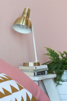 spray paint a white lamp gold