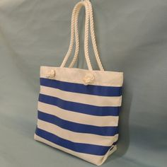 We have several ideas for the perfect gift for sailors and boaters. Unique nautical and boating gifts for the difficult to buy for sailor on your list! Boating Gifts, Gifts For Sailors, Sailing Outfit, Boater, Home Gifts, Unique Gifts, How To Look Better, Christmas Gifts, Stripes