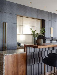 Kitchen Room Design, Modern Kitchen Design, Home Decor Kitchen, Interior Design Kitchen, Kitchen Furniture, Interior Decorating, Modern Kitchen Cabinets, Kitchen Cabinet Colors, Design Studio